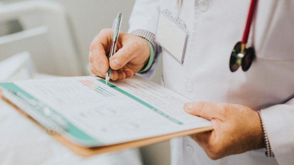 How to Talk to Your Doctor About Intimate or Embarrassing Menopause Symptoms